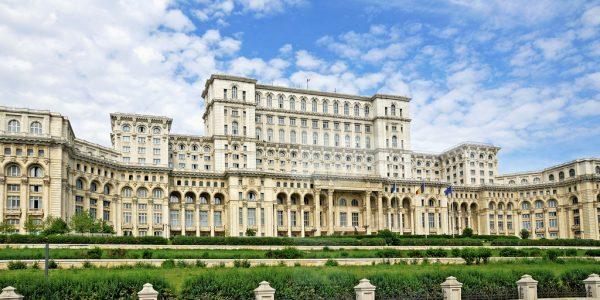 worlds-second-largest-building